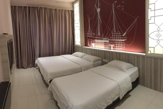 Sri Enstek Hotel : Hotel still new, all furniture are still new, love their service, they got free flow coffee, tea