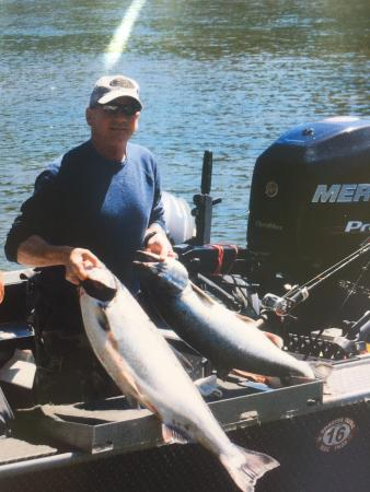 Elkton, Όρεγκον: King Salmon catch from Umpqua River