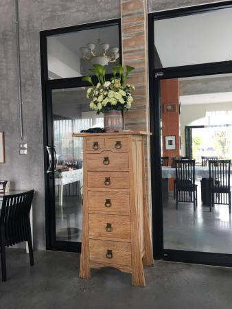 the 10 best restaurants near maneerote hotel in surin surin rh tripadvisor com