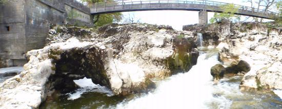Linton-in-Craven, UK: Linton Falls a short walk away