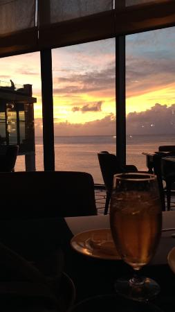 Alfredo's Steakhouse: View of sunset over Tumon Bay