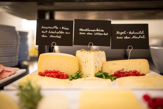 Cermes, Italia: Genießer- & Vitalfrühstücksbuffet