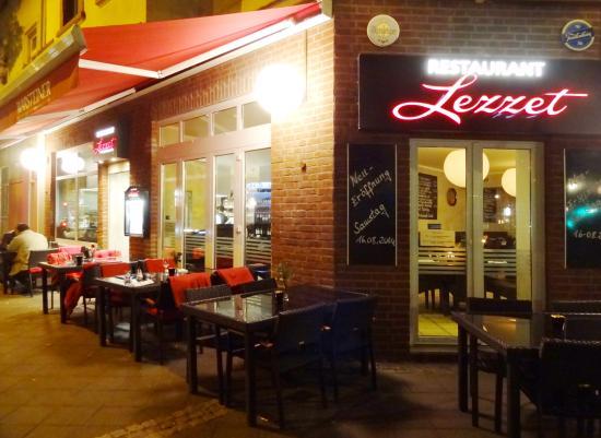 Offene Küche Bild Von Restaurant Lezzet Düsseldorf Tripadvisor