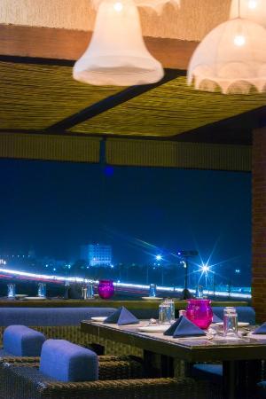 Hotel Waterlily : Raindrop Restaurant