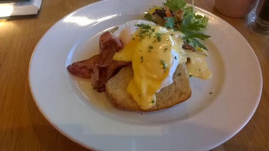Rolleston, Новая Зеландия: Eggs benny