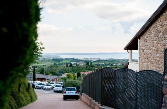 Cavaion Veronese, Italien: parcheggio della tenuta