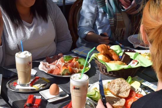 Vilshofen, Alemanha: Frühstück