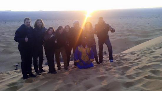 Afraklie aubergue: Salida del Sol el primer día del año desde la Gran Duna