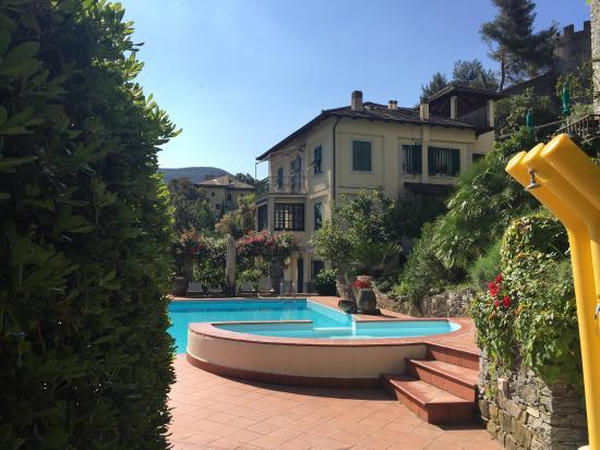 Hotel e ristorante picture of villa edera hotel for Hotel moneglia