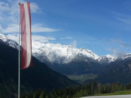 Neukirchen am Grossvenediger, Österrike: Blick vom Haus nach Krimml