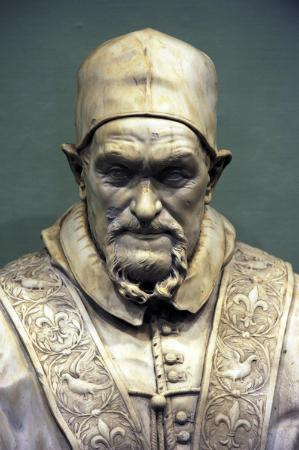 Acquapendente, Italie: Il busto, in marmo, commissionato dal pontefice Innocenzo X Pamphilij (1644-1655) ad Alessandro