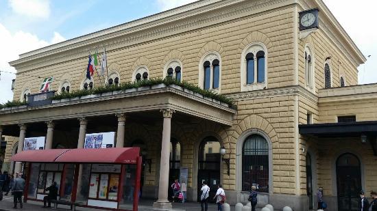 stazione di bologna centrale picture of stazione di