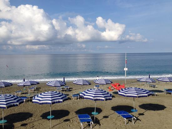 la spiaggia - Foto di Bagni Lido, Deiva Marina - TripAdvisor
