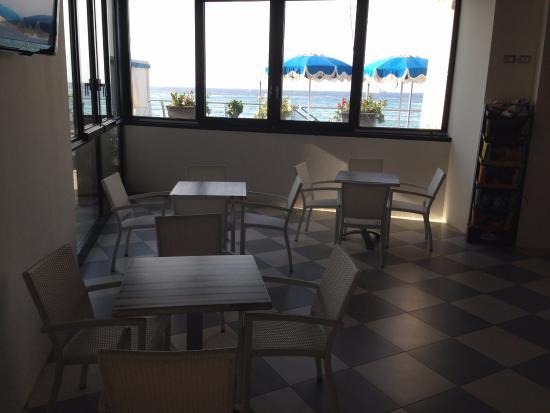 l\'interno del bar - Picture of Bagni Lido, Deiva Marina - TripAdvisor