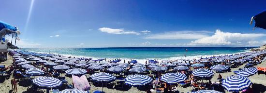 la spiaggia - Picture of Bagni Lido, Deiva Marina - TripAdvisor