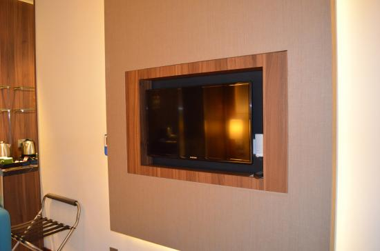 tv wand, tv wand - picture of holiday inn express singapore clarke quay, Design ideen