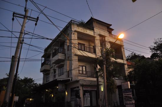 Jambu Inn Photo