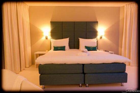 VixX Hotel: Penthouse by night