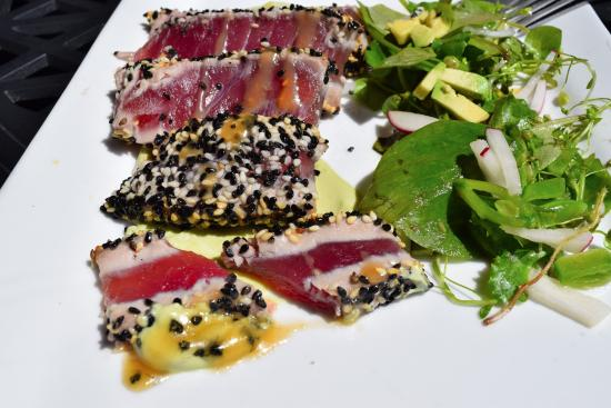 The Shore at The Inn on the Lake: Ahi Tuna starter