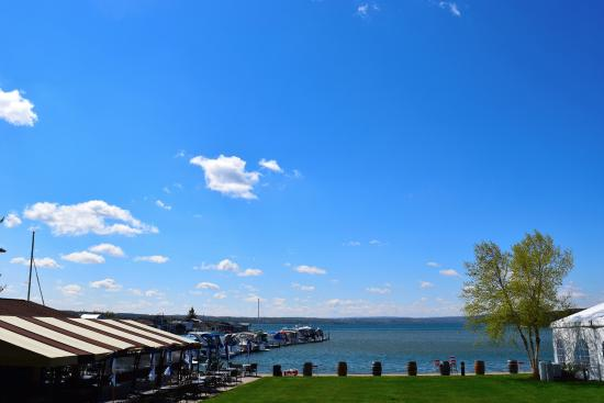 Canandaigua, NY: The view of the lake