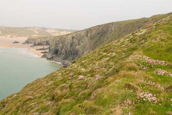 Parkdean - Holywell Bay Holiday Park: Coastal walk from Holywell Bay