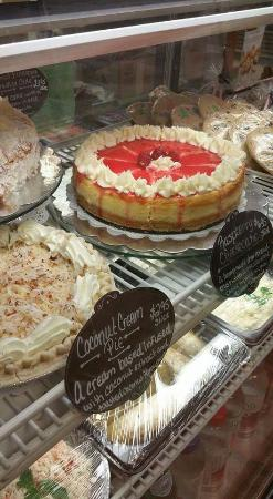 กลอสเตอร์, เวอร์จิเนีย: A huge variety of cakes, cookies, fudge, cheesecake's, and other Gourmet treats.