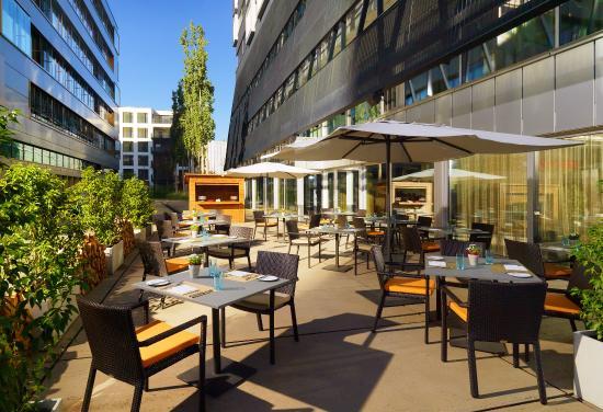 Sheraton Zurich Hotel : Route twenty-six Terrasse