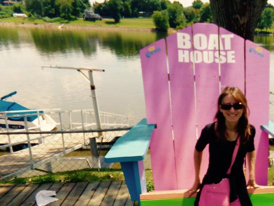Marietta, OH: The unique Boat House Beach Chair!!