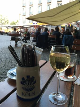 Herings im Martinswinkel : Wine on the terrace