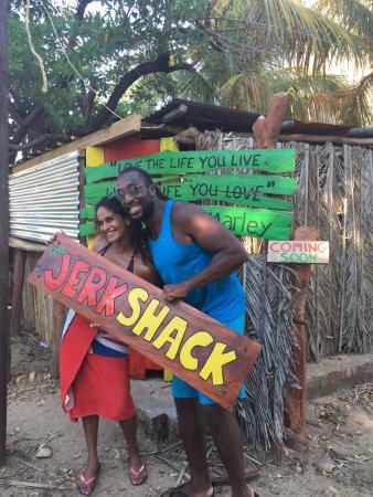 Popoyo, Nicaragua: Proud owners.... chef and sous chef at the Shack