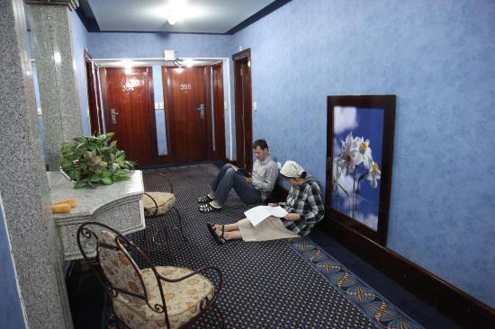 Santana Hotel: коридорчики тоже уютные
