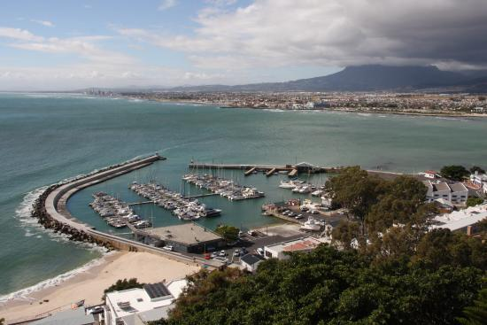 Gordon's Bay, Sør-Afrika: view over False /Gordons bay