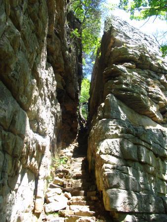 Monteagle, TN: stone door