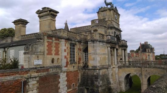 Chateau d'Anet: Vue d'ensemble du château