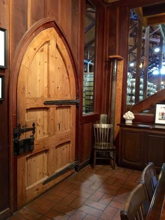 Santa Ynez Valley: Views, wildlife, Billy at Roblar, Fess Parker indie door and vineyards, Rideau flatbread and win
