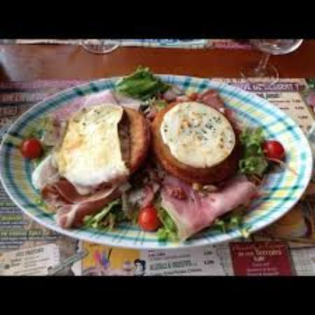 Salade campagnarde picture of restaurant la pataterie chasse sur rhone chasse sur rhone - Cuisine chasse sur rhone ...