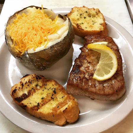 Brewster's Restaurant Photo