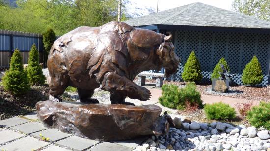 Skagway Sculpture & Flower Garden: Bear Sculpture