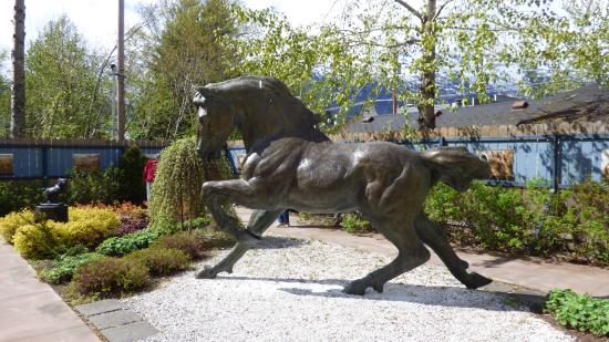 Skagway Sculpture U0026 Flower Garden: Horse Sculpture