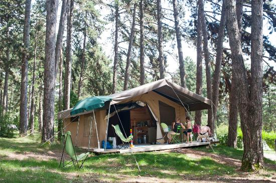 Camping Huttopia Divonne Les Bains
