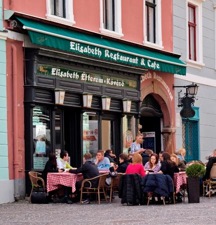 Elisabeth Restaurant : Szentendre'de keyifli bir mola mekanı.