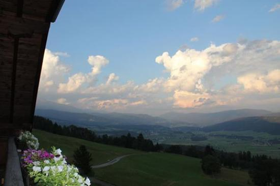 Mauterndorf, Austria: Ausblick vom Appartment