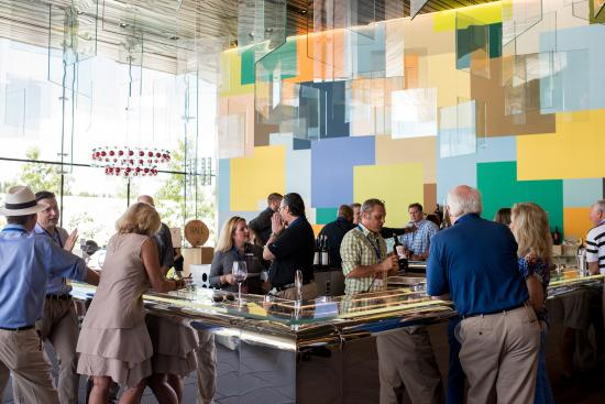 HALL St. Helena : Our modern and vibrant tasting room