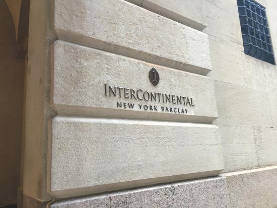 InterContinental New York Barclay: Entrance