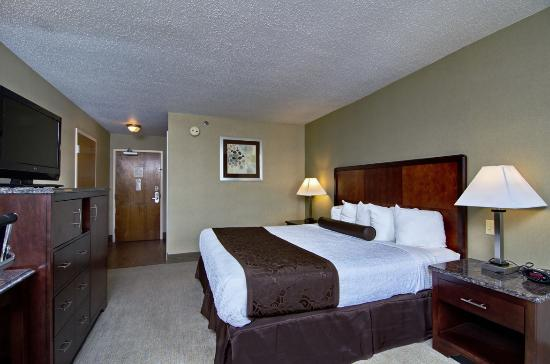 BEST WESTERN PLUS Inn at Hunt Ridge : King with Balcony