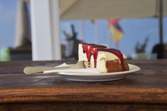 Lauenburg an der Elbe, Germany: hausgemachter Cheesecake