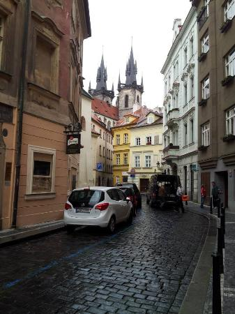 Prague Tyn: Outside little alleyway that leads to hostel. See? Perfect spot!