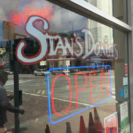 Stan's Corner Donut Shoppe: Funky on the outside, awesome donuts on the inside....