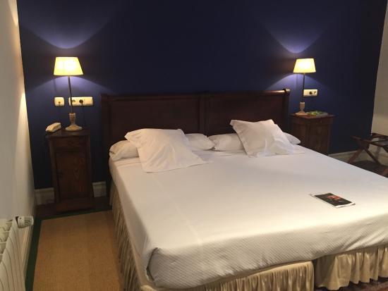 Vera de Bidasoa, Spagna: Ni cabezales ni colchas se corresponde con la web hotel