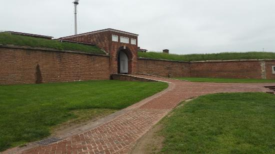 Fort McHenry National Monument: 20160512_162528_large.jpg